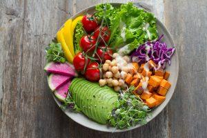 prendre soin de sa santé en mangeant des fruits et légumes