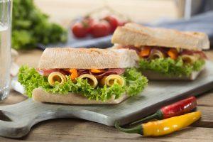 manger un déjeuner sain et économique