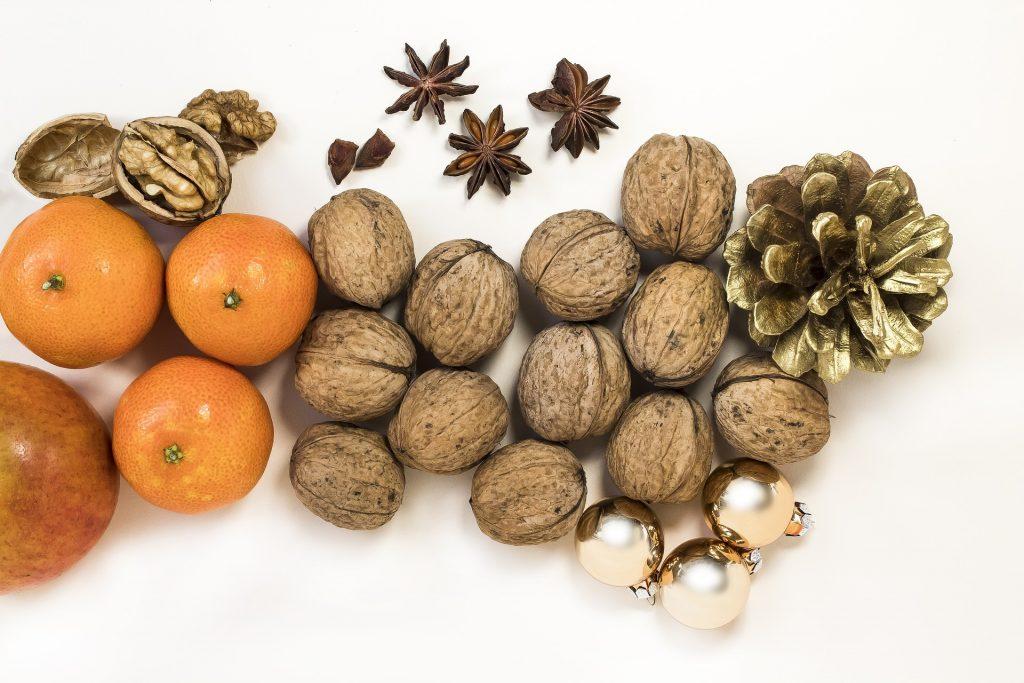 collation / fruits secs coupe faim